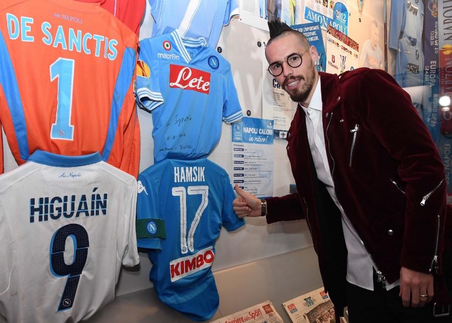 Hamsik, la maglia del record al Mann: «Bello essere nella storia del Napoli, il gruppo crede allo scudetto»