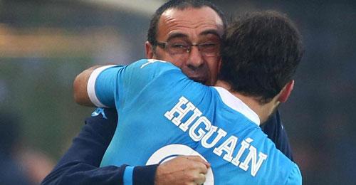 """Sarri: """"Higuain? Nel post Juve ha subito un trauma emotivo. Dipende tutto da lui"""""""