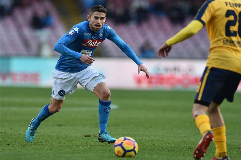 Jorginho chiave della trattativa Sarri: andrebbe al Chelsea e non al City
