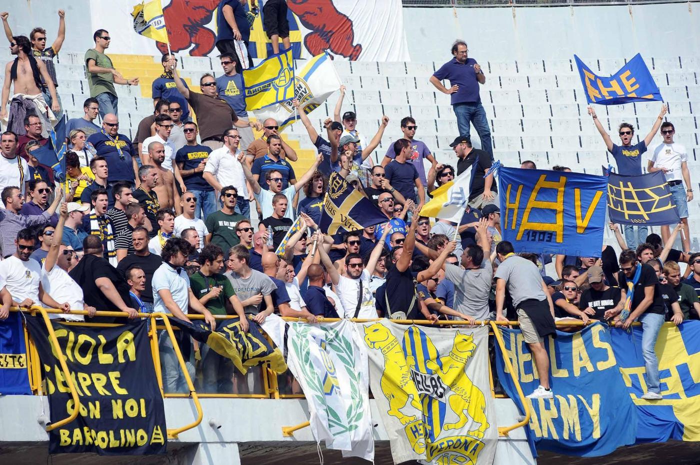 Napoli-Hellas, pericolo ordine pubblico: al San Paolo 200 ultras veronesi