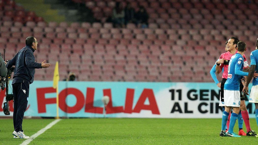 Giudice Sportivo: 10mila euro di multa al Napoli (lancio di petardi), Sarri ammonito