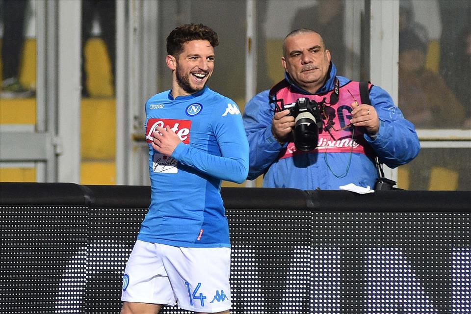Mertens, c'è ottimismo sulle sue condizioni: dovrebbe esserci per Napoli-Lazio