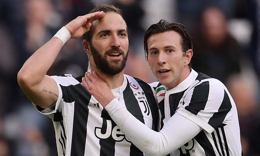 Juventus, Higuain e Bernardeschi infortunati: l'ex Fiorentina rischia un mese di stop