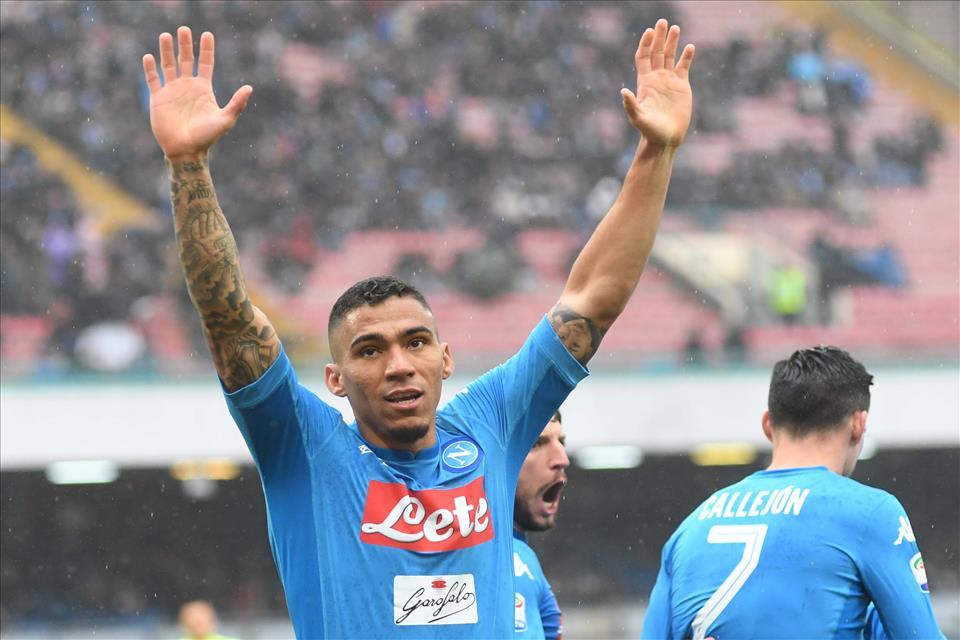 Gazzetta: il rinnovo di Allan (due milioni l'anno), ora il Napoli punta a rivedere il contratto di Jorginho