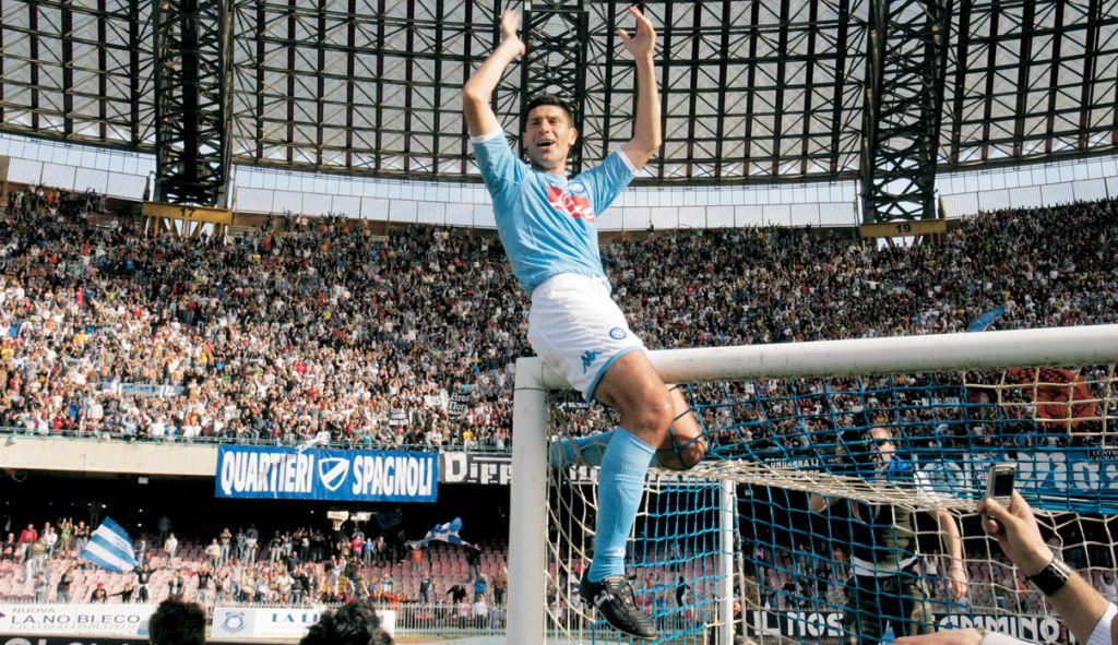 Il colpo di fulmine per il Napoli al gol di Pampa Sosa, con la maglia numero 10