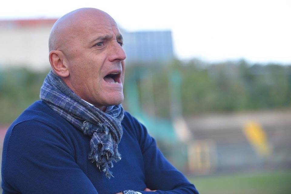 Il tecnico del Portici Maiuri si dimette: non è piaciuto un suo gesto di fair play contro la Nocerina