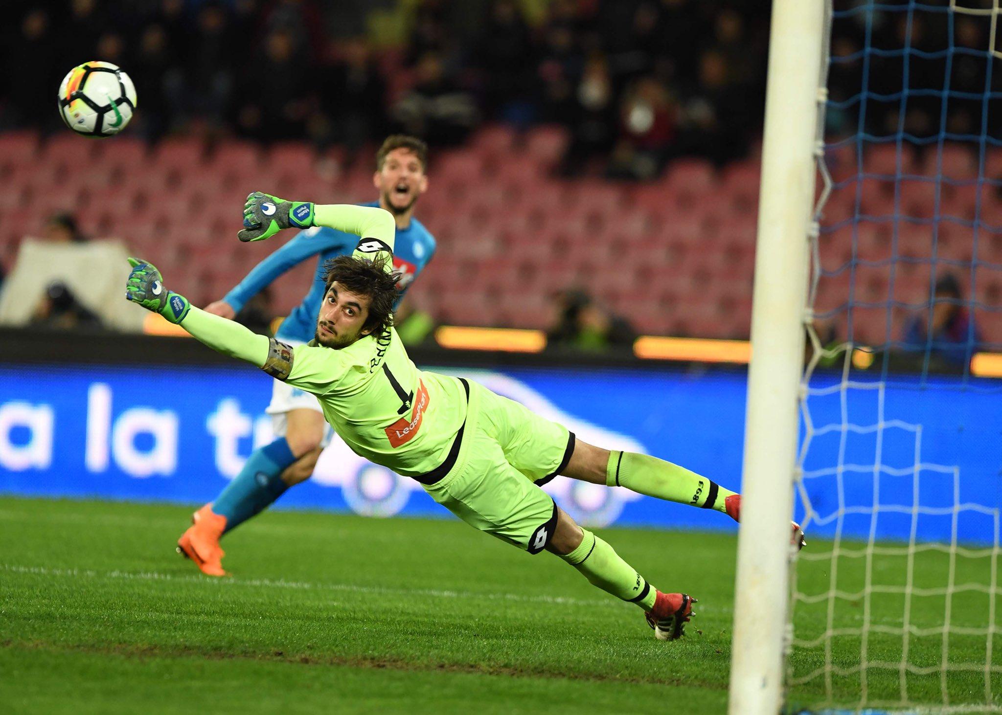 Napoli-Genoa 0-0, il primo tempo: prima metà rossoblu, finale in crescendo con palo di Insigne