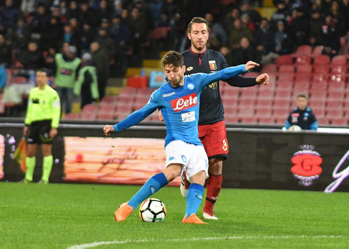 Il Napoli essenziale non spreca la chance: batte il Genoa 1-0 e si porta a meno due