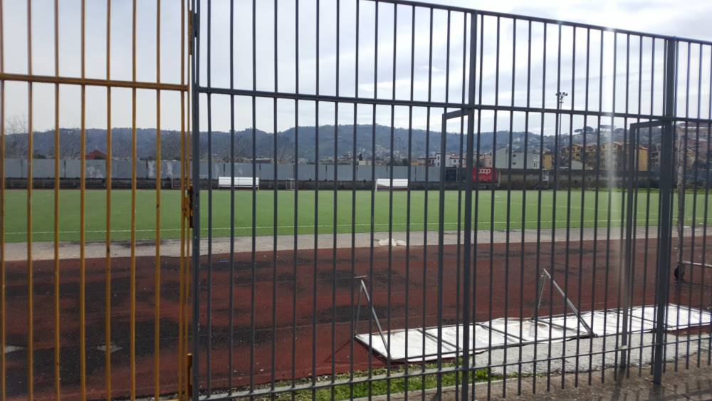Il caso dei rubinetti aperti allo stadio comunale Giarrusso di Quarto