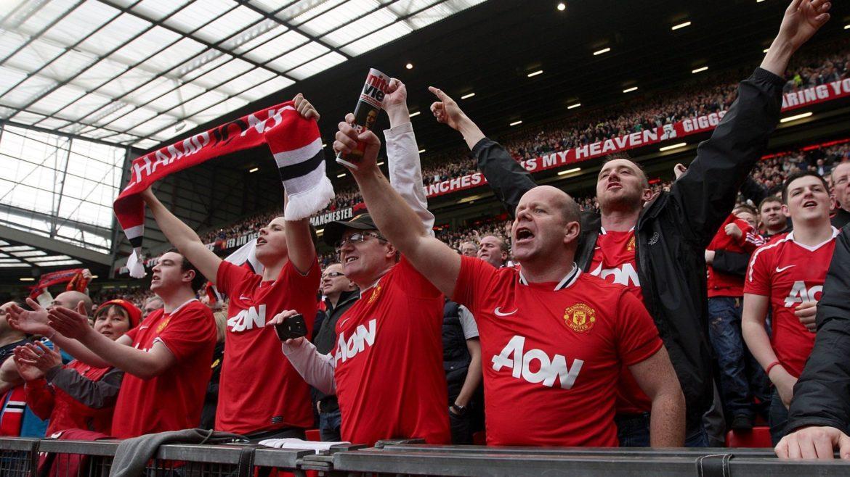Il Manchester United ha chiesto ai suoi tifosi di migliorare l'atmosfera ad Old Trafford