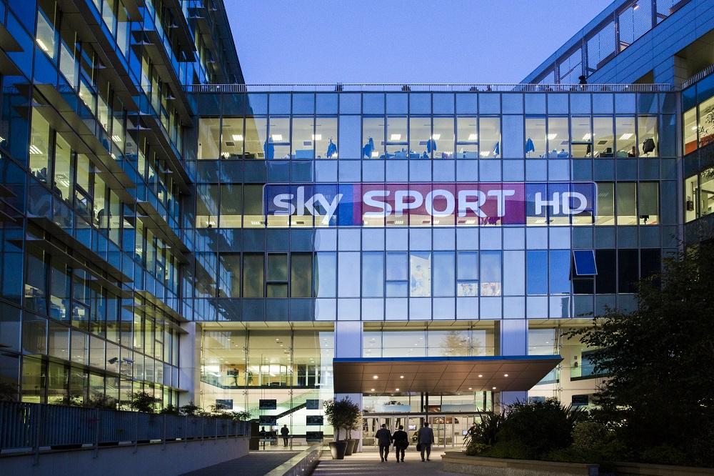 Storico accordo Sky-Mediaset, scambio di canali tra satellite e digitale: il calcio è il prossimo step