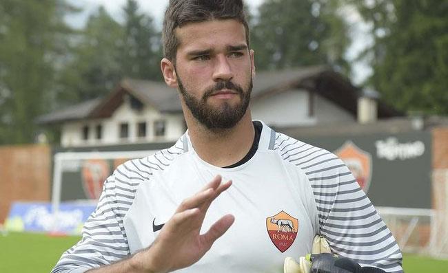 Gazzetta: «Il Napoli ha offerto 40 milioni per Alisson, la Roma ha detto no»