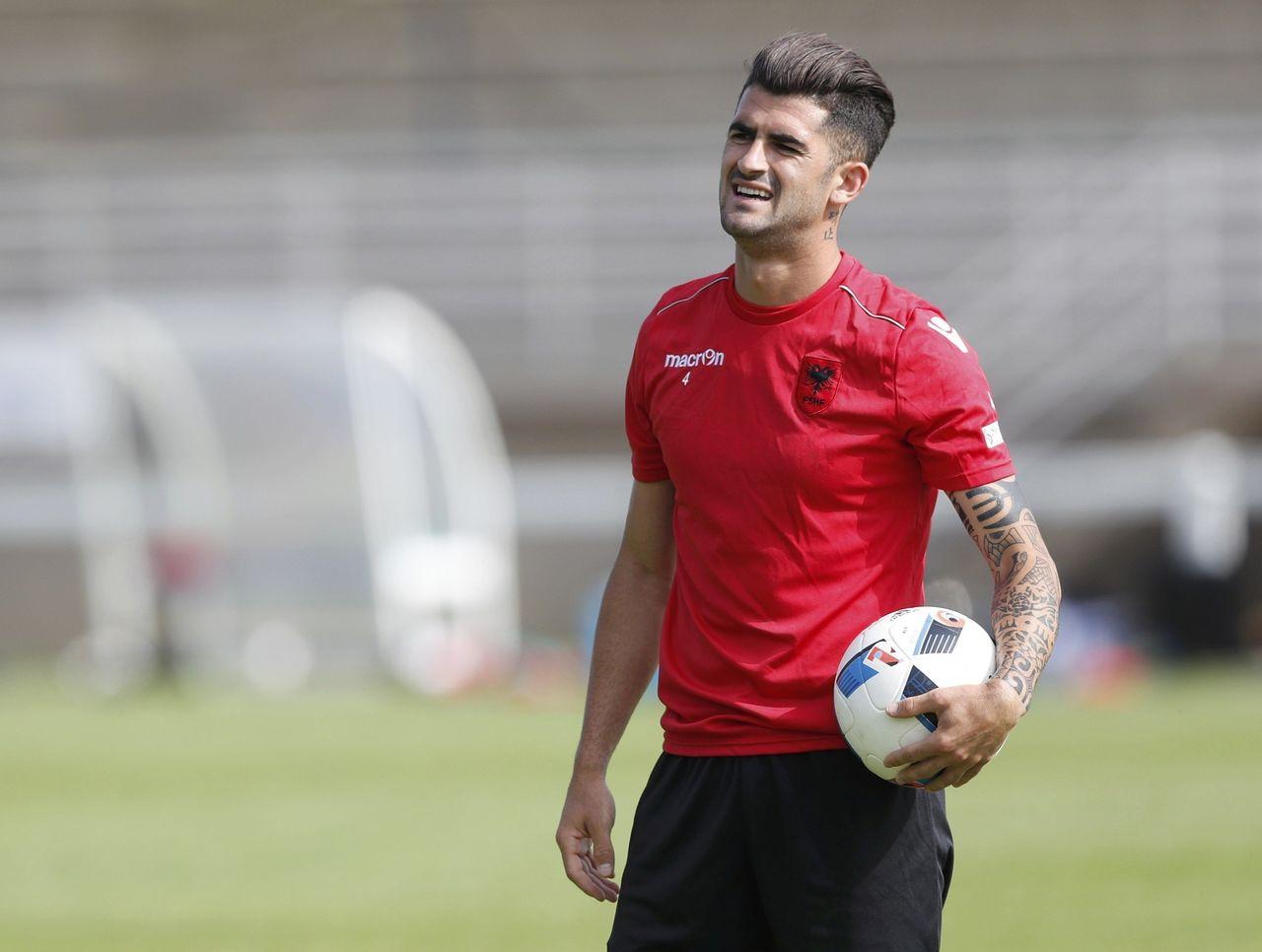 Dall'Albania: «Solo una botta per Hysaj, al massimo salterà il Sassuolo»