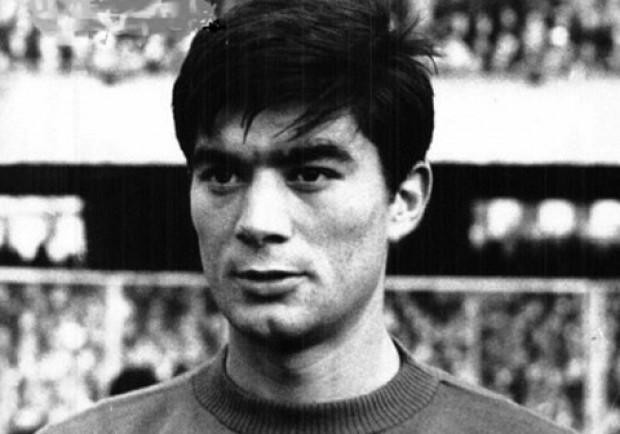 Una volta amavo Gigi Riva e il Cagliari, poi Totonno Juliano mi scompigliò i capelli