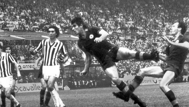 Da Juventus-Napoli (1975) a Milan-Inter (2011), antologia delle sfide-scudetto