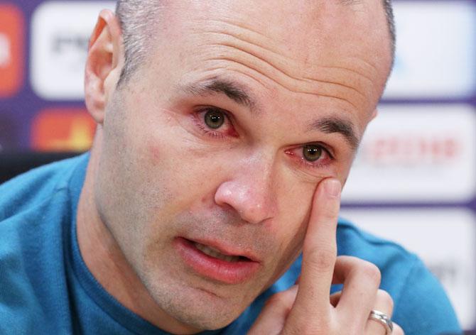 Quanto è dura dirsi addio: il momento giusto di Iniesta, Buffon, Sarri