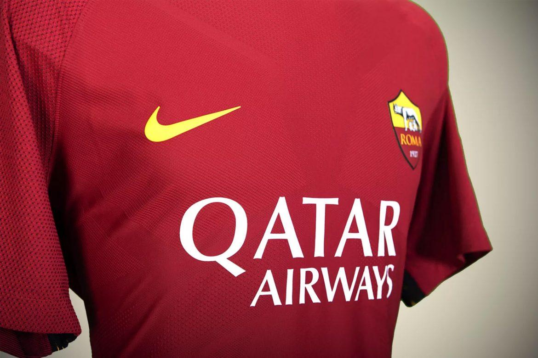 Roma, ecco lo sponsor sulla maglia: l'accordo con Qatar Airways vale 40 milioni in tre anni