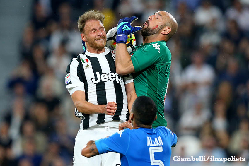 Tra Juve e Napoli vincerà chi ha più testa, e lo scopriremo presto