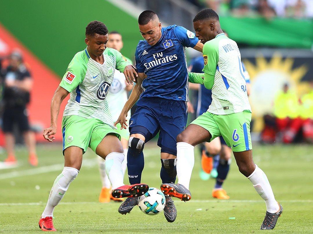 Continua il sogno dell'Amburgo: 3-1 al Wolfsburg, retrocessione (ancora) rinviata