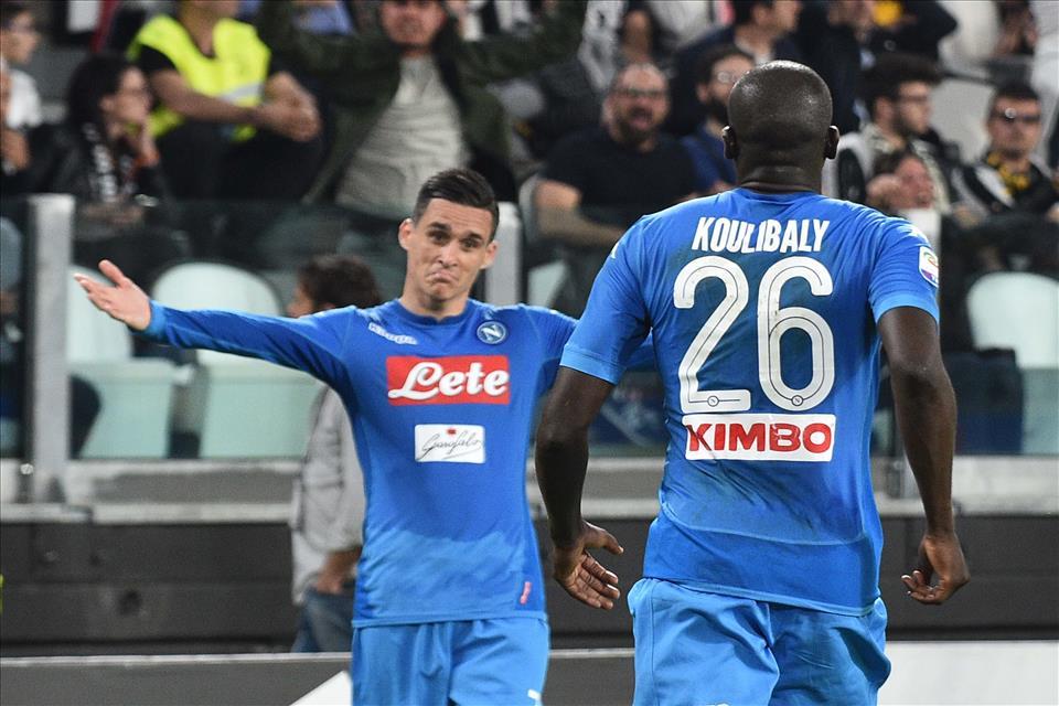 Il Napoli consapevolmente grande è Callejon che (quasi) non esulta dopo il gol