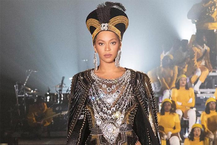 Beyoncé, splendida Nefertiti al Coachella, ha spiegato al Sud come imporsi sul potere