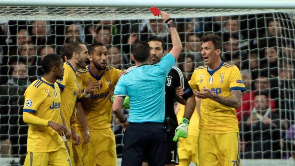 Ho provato imbarazzo per Buffon, le sue parole specchio dell'incultura sportiva italiana
