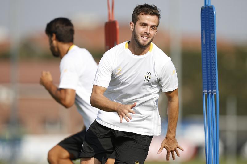 Juventus-Napoli, primo allenamento per i bianconeri: Pjanic e Mandzukic con la squadra