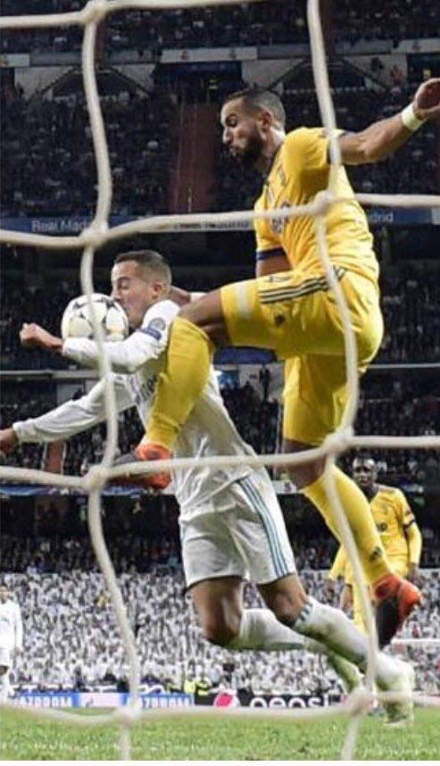 Moviola Gazzetta: «Non si dà un rigore discutibile al 93esimo in semifinale Champions»