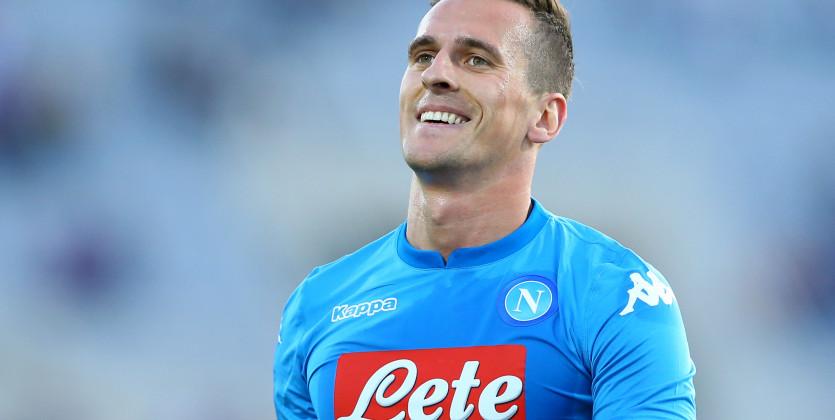 Napoli-Crotone 2-0, il primo tempo: la testa sgombra, la testa di Milik