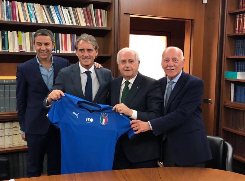 Mancini: «Cercherò di convocare i giocatori più tecnici, anche Balotelli sarà chiamato»