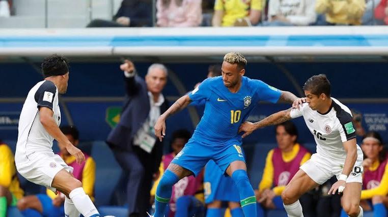 Brasile-Costarica 2-0, la Seleçao passa nel finale con Coutinho e Neymar