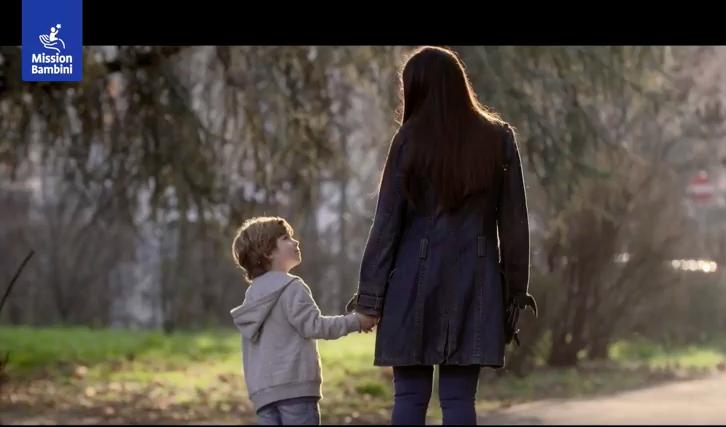 """""""Adotta un bambino povero italiano"""", il Terzo Mondo siamo anche noi"""