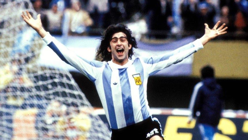 Kempes: «Mi dà fastidio pensare che Icardi sia fuori dall'Argentina per motivi extracalcistici»