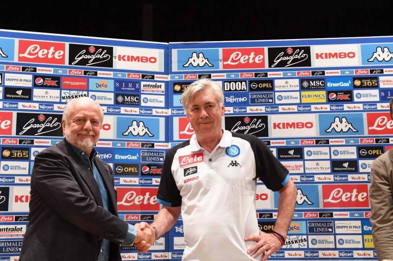 Ci sarà anche De Laurentiis con Insigne e Ancelotti all'incontro di stasera con i tifosi