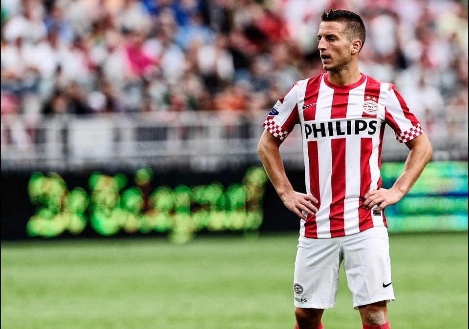 World Soccer così descrisse Mertens nel 2011: «Un mix tra Sneijder ed Hazard»