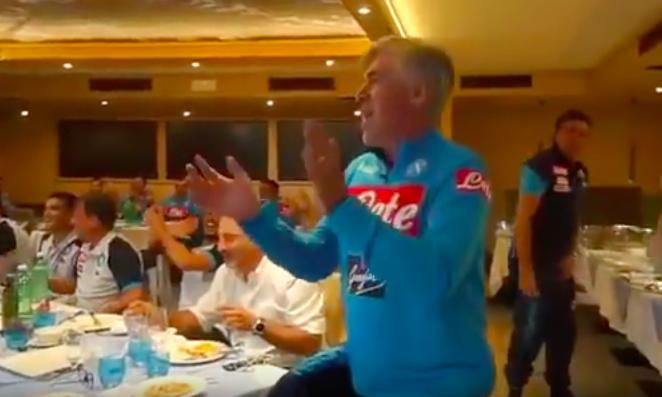 Ancelotti riporta Oj vita mia al centro del Napoli (VIDEO)
