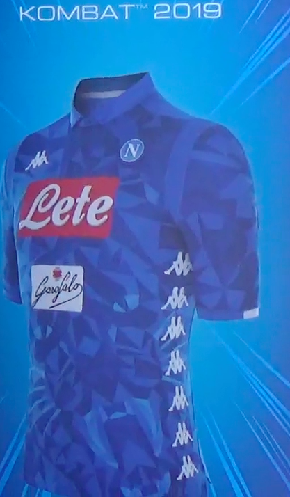 VIDEO - Tutti vogliono la nuova maglia kombat del Napoli