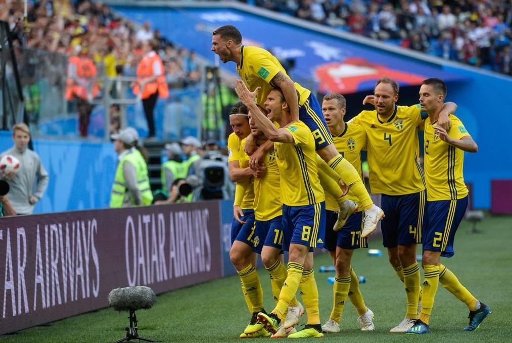 Continua il sogno della Svezia: 1-0 alla Svizzera, autogol di Akanji