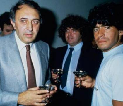Ferlaino: «Sono stato il carceriere di Maradona. Mi sento fortunato, sono stato il suo presidente»