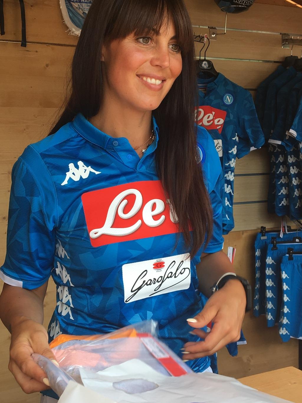 Seconda Maglia Napoli merchandising