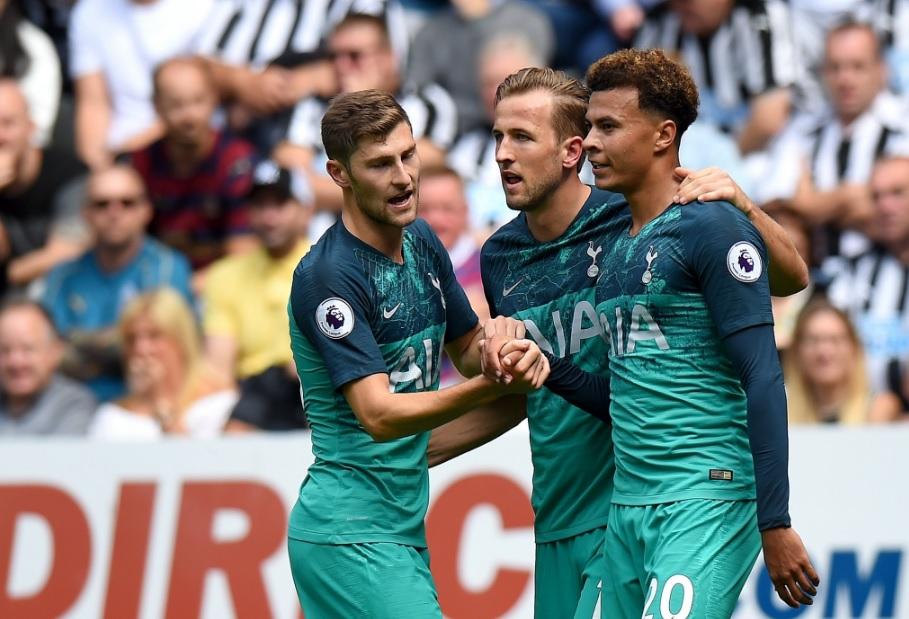 Newcastle-Tottenham 1-2, tutto in 18 minuti: Benitez battuto da Vertonghen ed Alli
