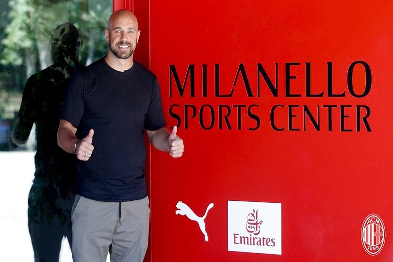 Reina: «Il Milan è un club speciale, mi auguro possa arrivare a giocare ai livelli del Napoli»