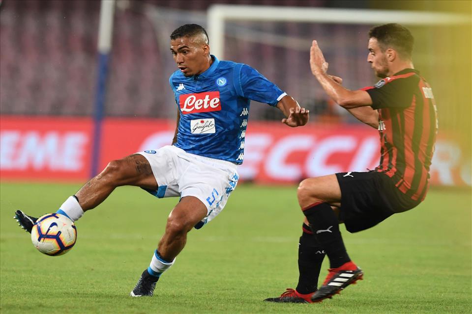 Sky: «Il Napoli vuole almeno 100 milioni per Allan, per il Psg sono troppi»