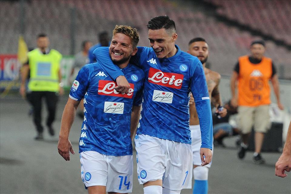 Gazzetta: De Laurentiis pronto a cedere Mertens e Callejon a gennaio con l'offerta giusta