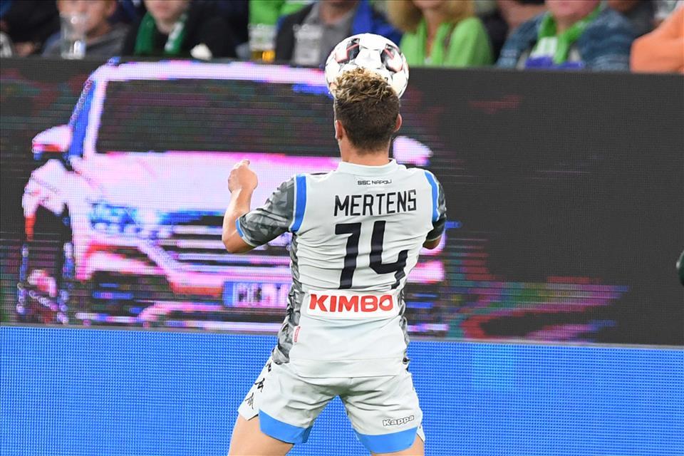 Mertens, 90 minuti e assist, Rog perde 6-0 dalla Spagna