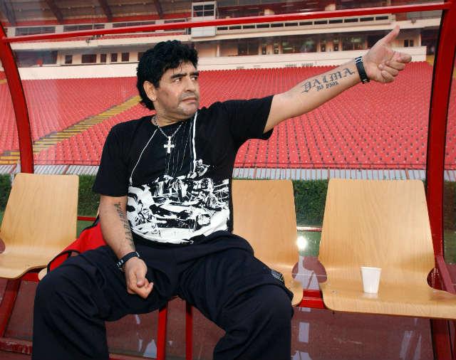 Maradona racconta a Kusturica il pallonetto in casa della Stella Rossa