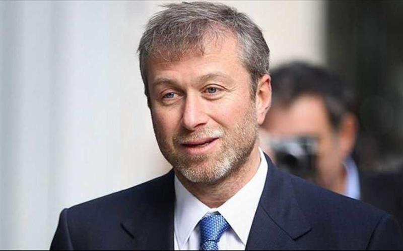 Anche la Svizzera nega il visto ad Abramovich: «Sospetto riciclaggio di denaro e contatti con il crimine»