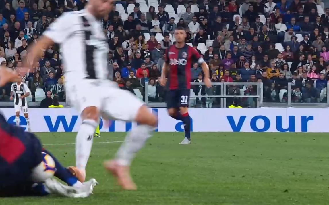 Marelli spegne le polemiche su Juve-Bologna: «Pjanic da giallo, non ci sono rigori per i rossoblu»
