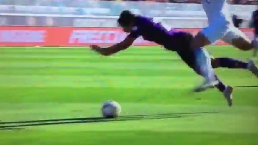 """VIDEO – Fiorentina-Atalanta, il rigore su Chiesa e l'inutilità del """"nuovo"""" Var"""