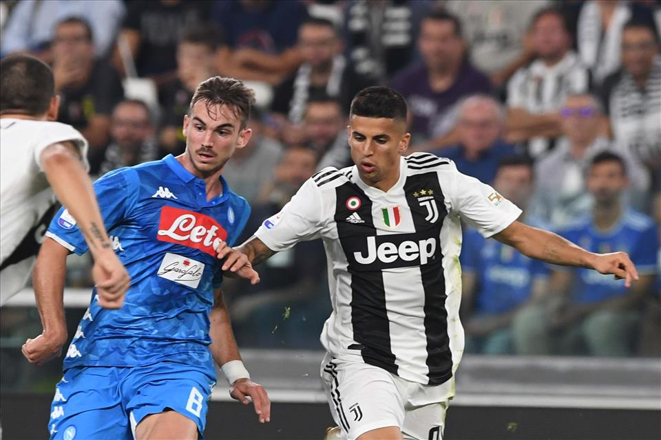 Decaro (Gazzetta): «Juve col fucile, Napoli con la pistola: bianconeri ancora più forti»